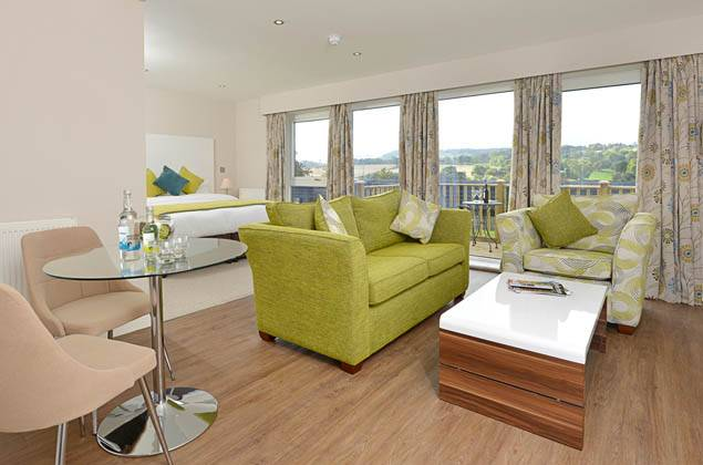 Best Peak District Accommodation : The White Horse & The View at Woolley Moor