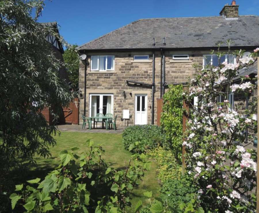 Bakewell Holiday Cottages 1