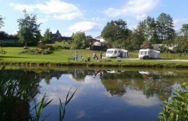 Caravan Sites, Glamping & Camping in the Peak District 28