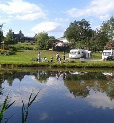 Caravan Sites, Glamping & Camping in the Peak District 27