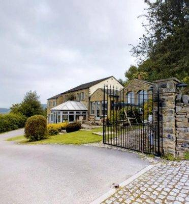 The Top 100 Most Beautiful Peak District Holiday Cottages 135