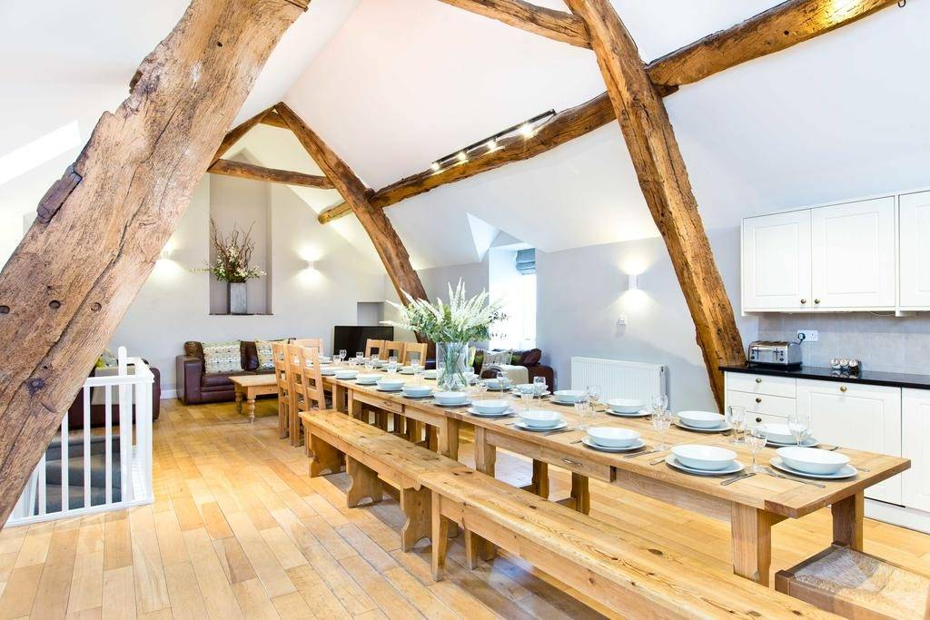 Peak_Venues_Hurdlow_Grange_Dining_Room_3