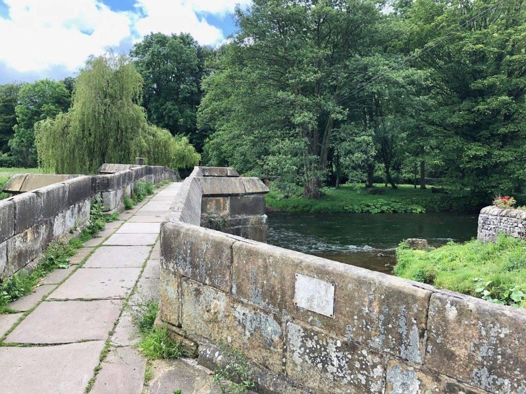 Bakewell via Ashford-in-the-Water (6 miles) 8