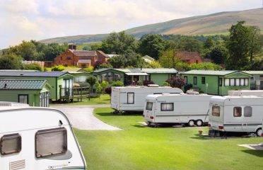Caravan Sites, Glamping & Camping in the Peak District 20