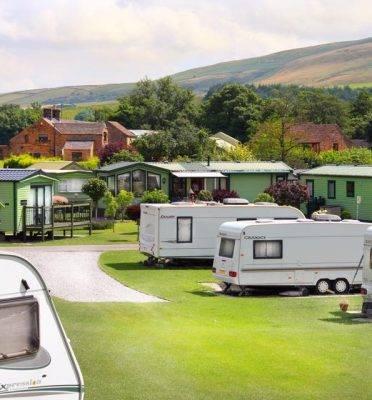 Caravan Sites, Glamping & Camping in the Peak District 19
