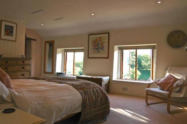 VAllon cottage bedroom