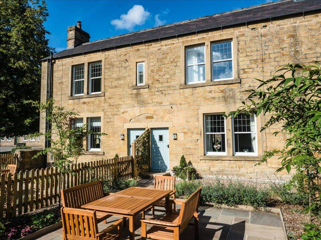 Holiday Cottages in Bakewell : Riverside Cottages, Bakewell
