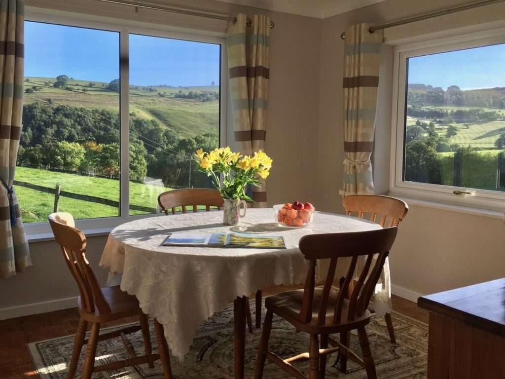 Peak District cottage : The Orchards at Ilam