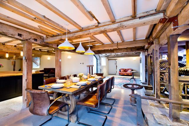 Best Peak District Cottages : Ashford Mill