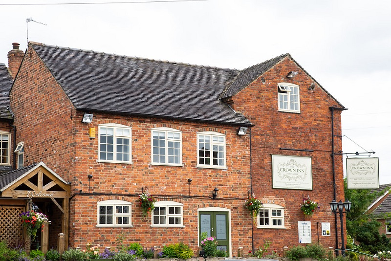 Best country pubs : The Crown Inn, Marston Montgomery