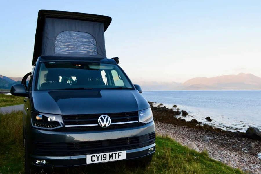 Camper Adventures : Luxury campervan hire